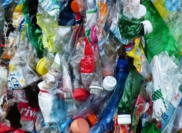 Transforming the French economy with penalty system on non-recycled plastic